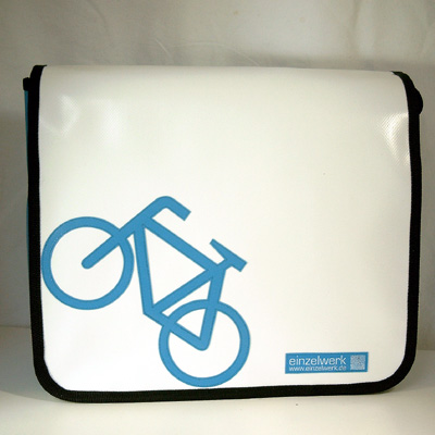 Fahrrad angelehnt - bike - bicycle